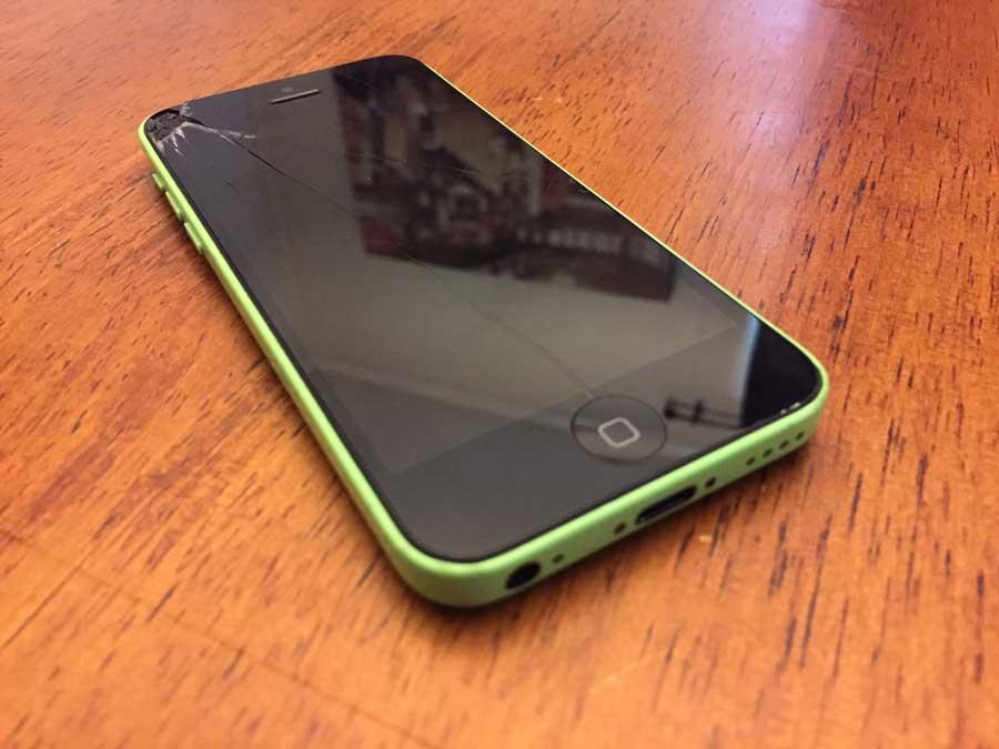 broken_iPhone-5c
