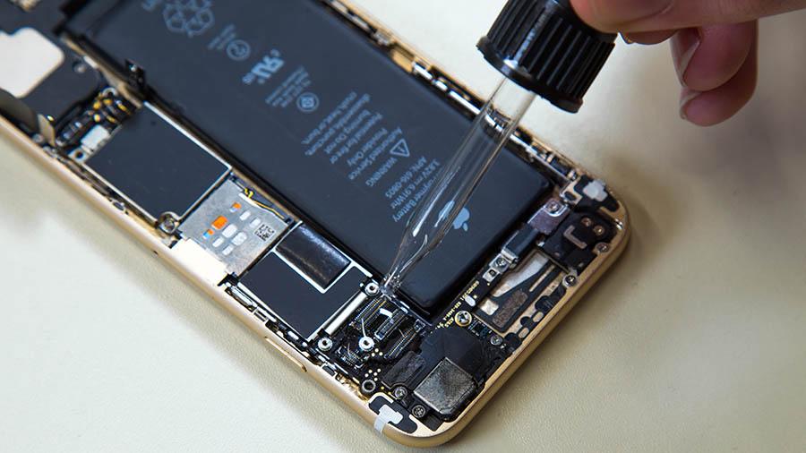 Фото: Чистка iPhone 6 Plus после воды
