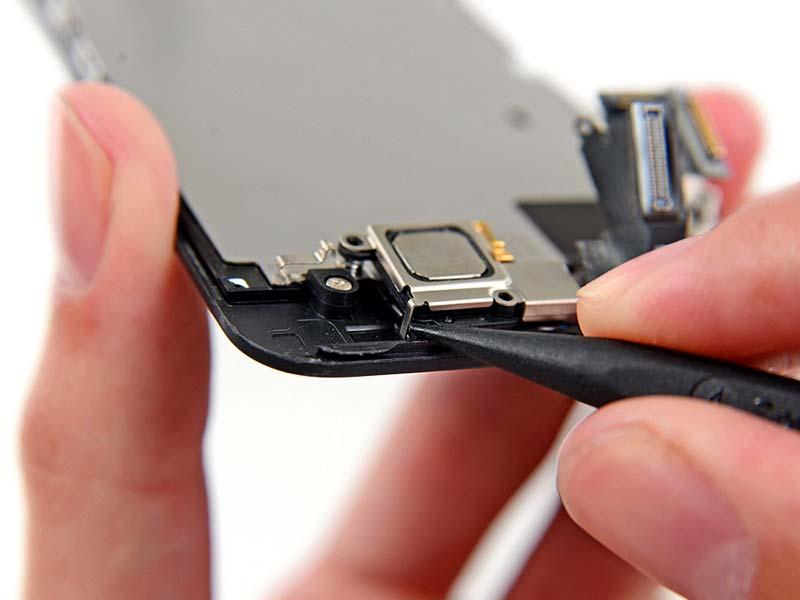 Фото: Ремонт динамика iPhone 6 Plus