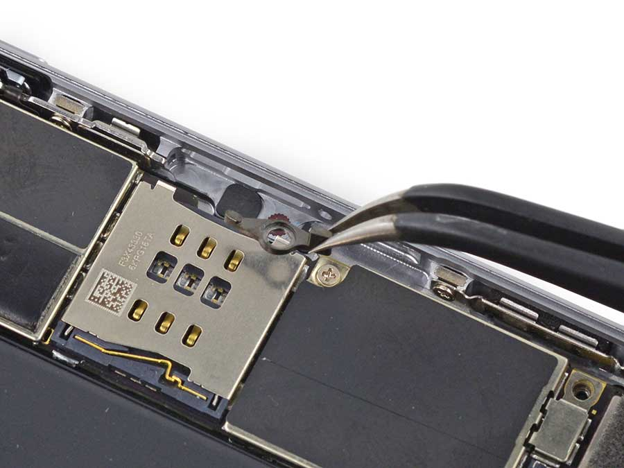 Фото: Замена слота сим-карты iPhone 6 Plus
