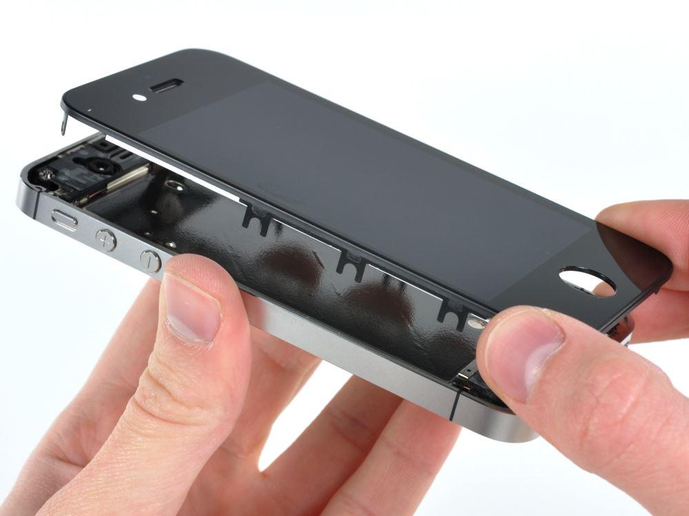 Замена дисплея на айфоне киев