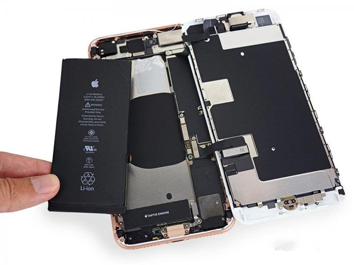Фото: Замена батареи iPhone 8 Plus