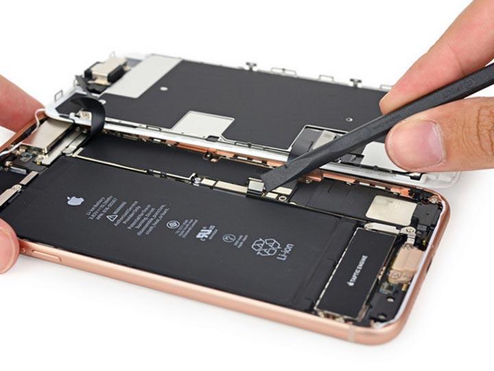 Фото: Замена дисплея iPhone 8